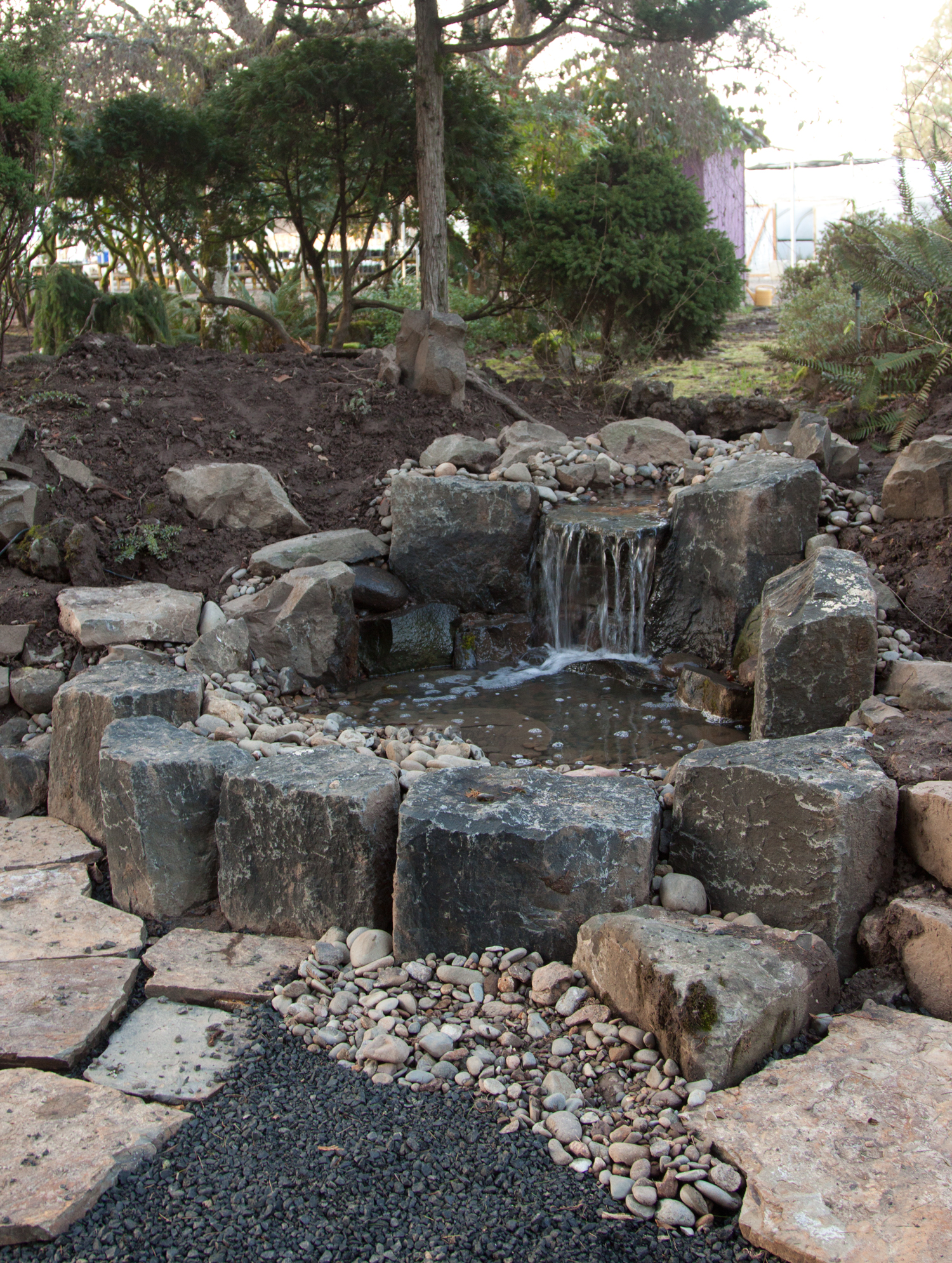 Garden rock fountains images for Stone garden waterfall